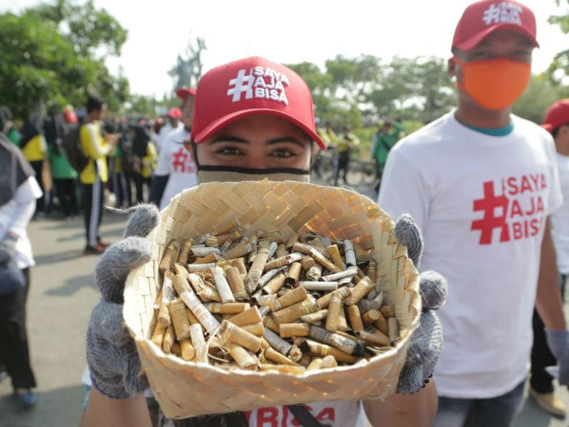 img_pmi_sustainability_world_clean_up_day_indonesia_cigarette_butts