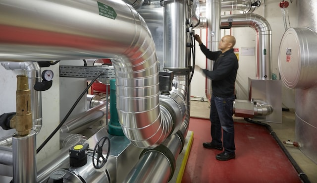 heat pump PMI Operations Center Lausanne