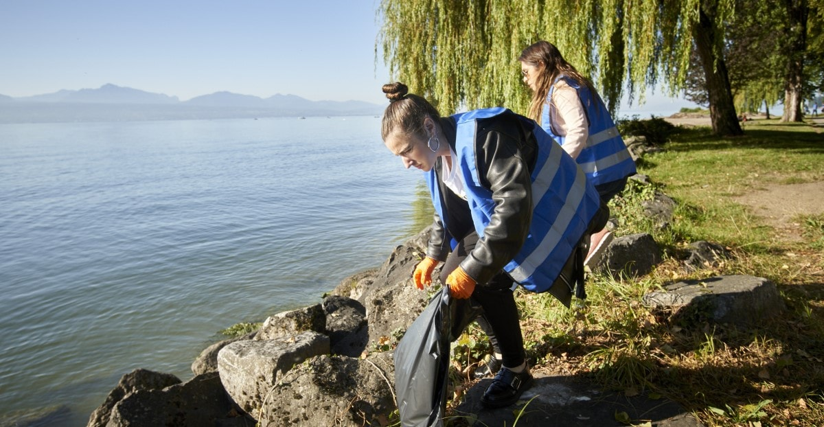 Park clean up Lausanne World Cleanup Day