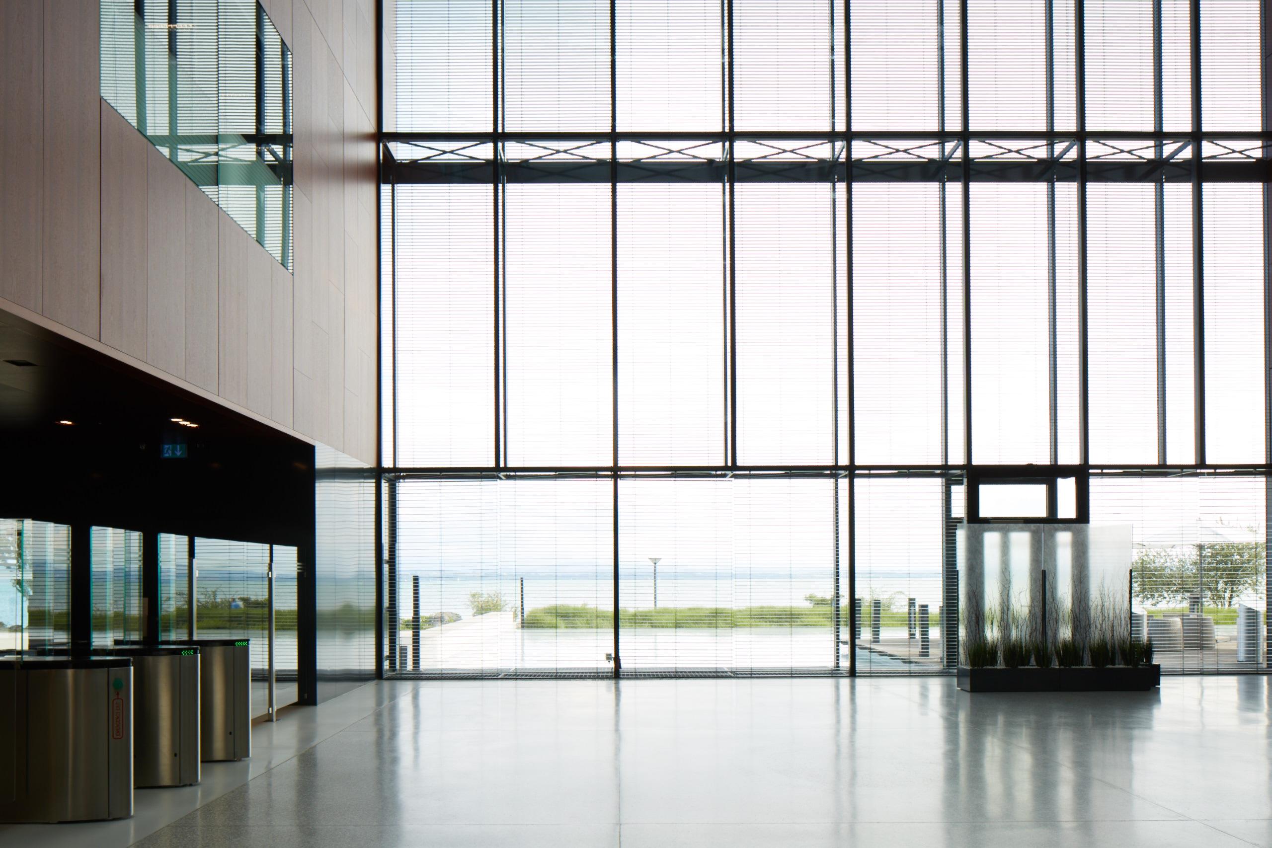 160727_PMI_Neuchatel--43_main_entrance_inside--D36A8320