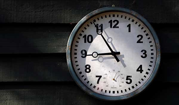 It's-Time-B&W-clock-thumbnail