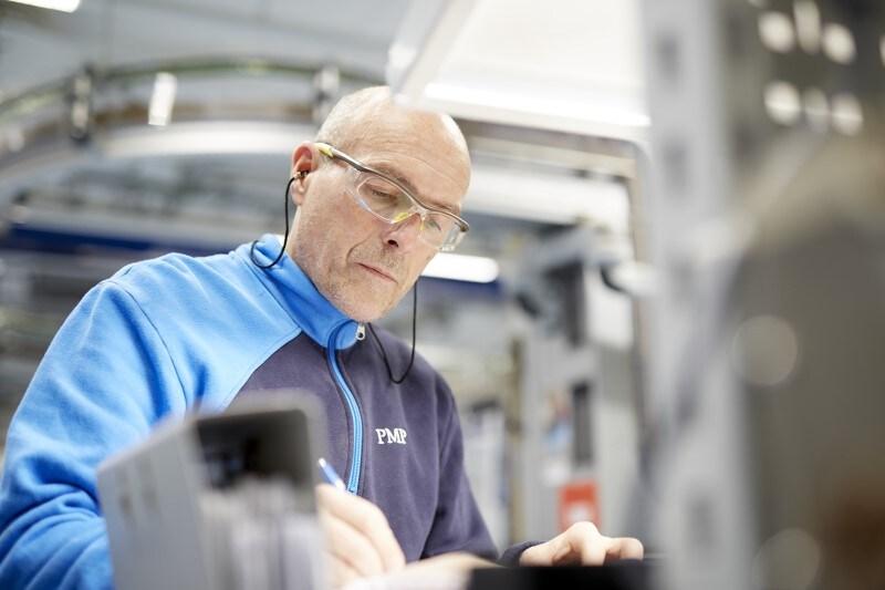 manufacturing neuchatel PMI employee
